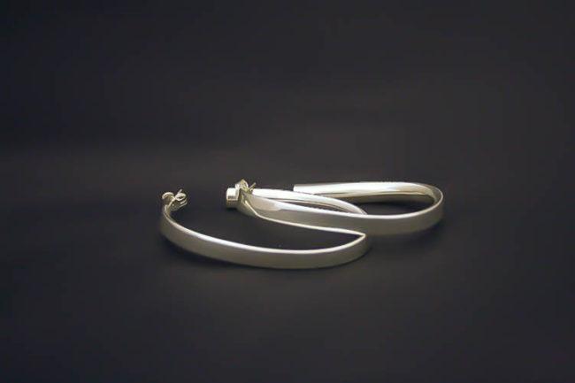 Aros ovalados de plata