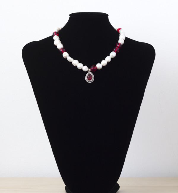 Collar de perla cultivada con cristal facetado y plata con circonitas