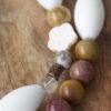 Collar de ónice, nácar, murano, porcelana, cobre y carneol