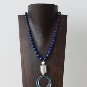Collar de lapislázuli, cristal de Murano, resina y plata